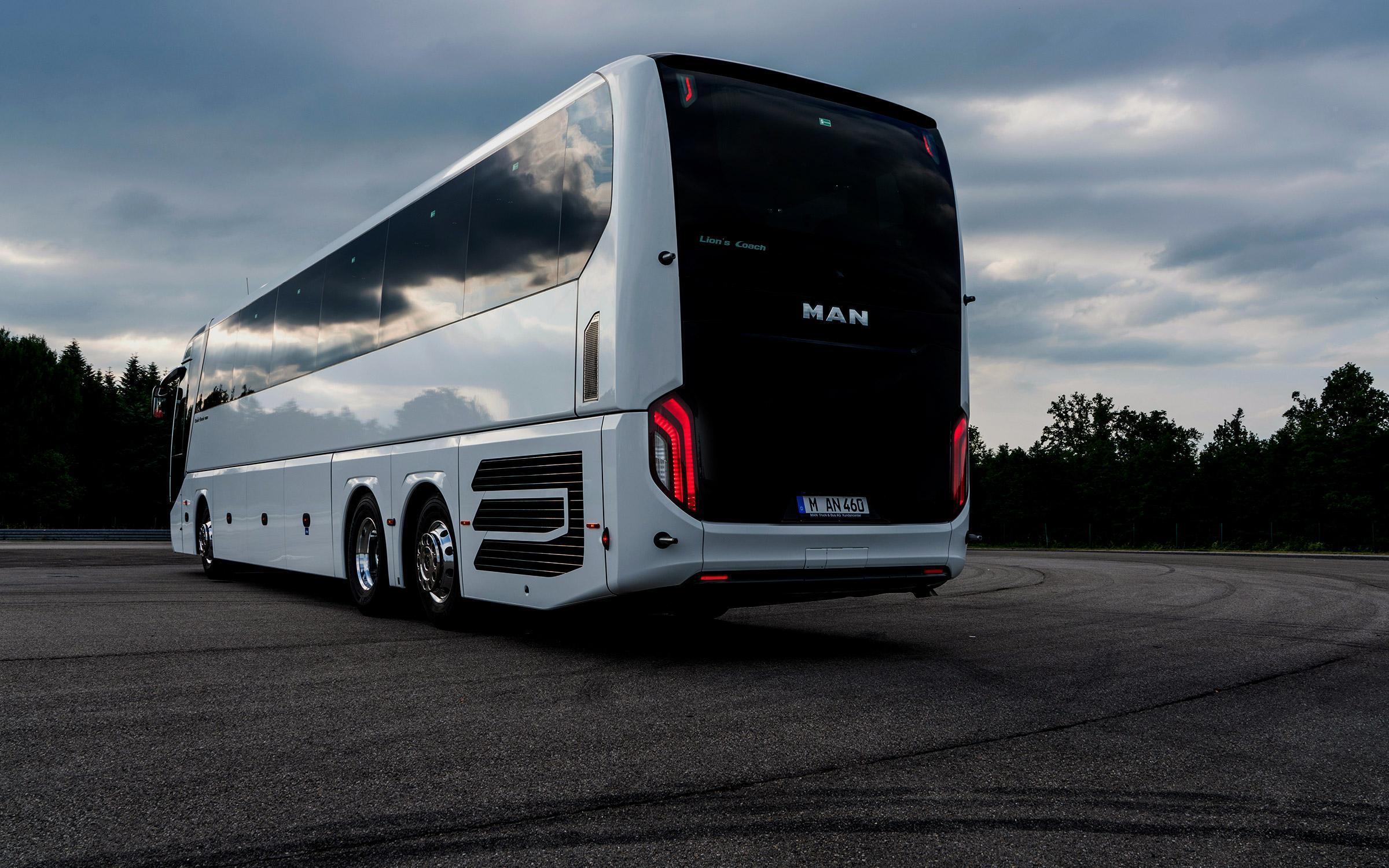 https://mantruck.com.ua/wp-content/uploads/2020/12/man-lions-coach_slider-3.jpg